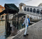 إيطاليا تسجل ارتفاعا قياسيا للإصابات بفيروس كورونا