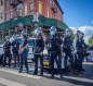 بالفيديو.. إصابة محتج عمره 75 عاما برأسه بعدما دفعه شرطيان بنيويورك